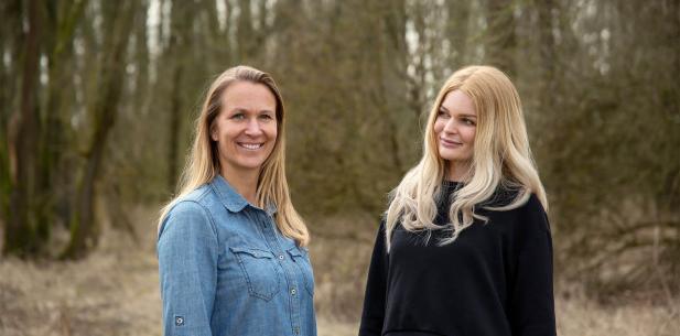 Ulrika en Sophie in het bos