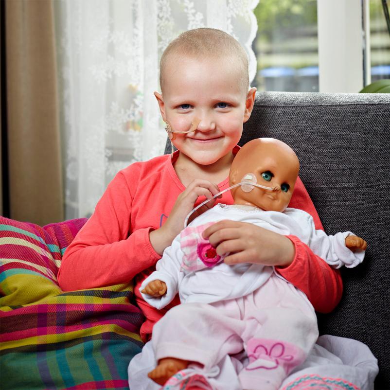 Evi met haar pop